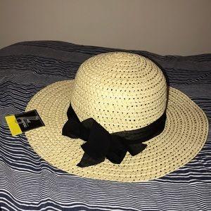 NWT Floppy Beach Hat